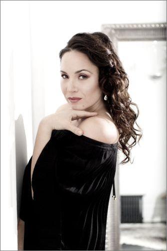 Соня Йончева ще подкрепи млад български оперен изпълнител. Оперната звезда ще покани по време на концерта си в Пловдив на 25 август един млад певец, който ще изпълни любимата си ария